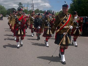 The 48th Highlanders Pipe Band of Holland